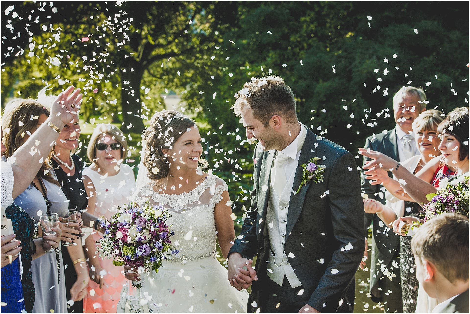 how to photograph beautiful confetti wedding photos