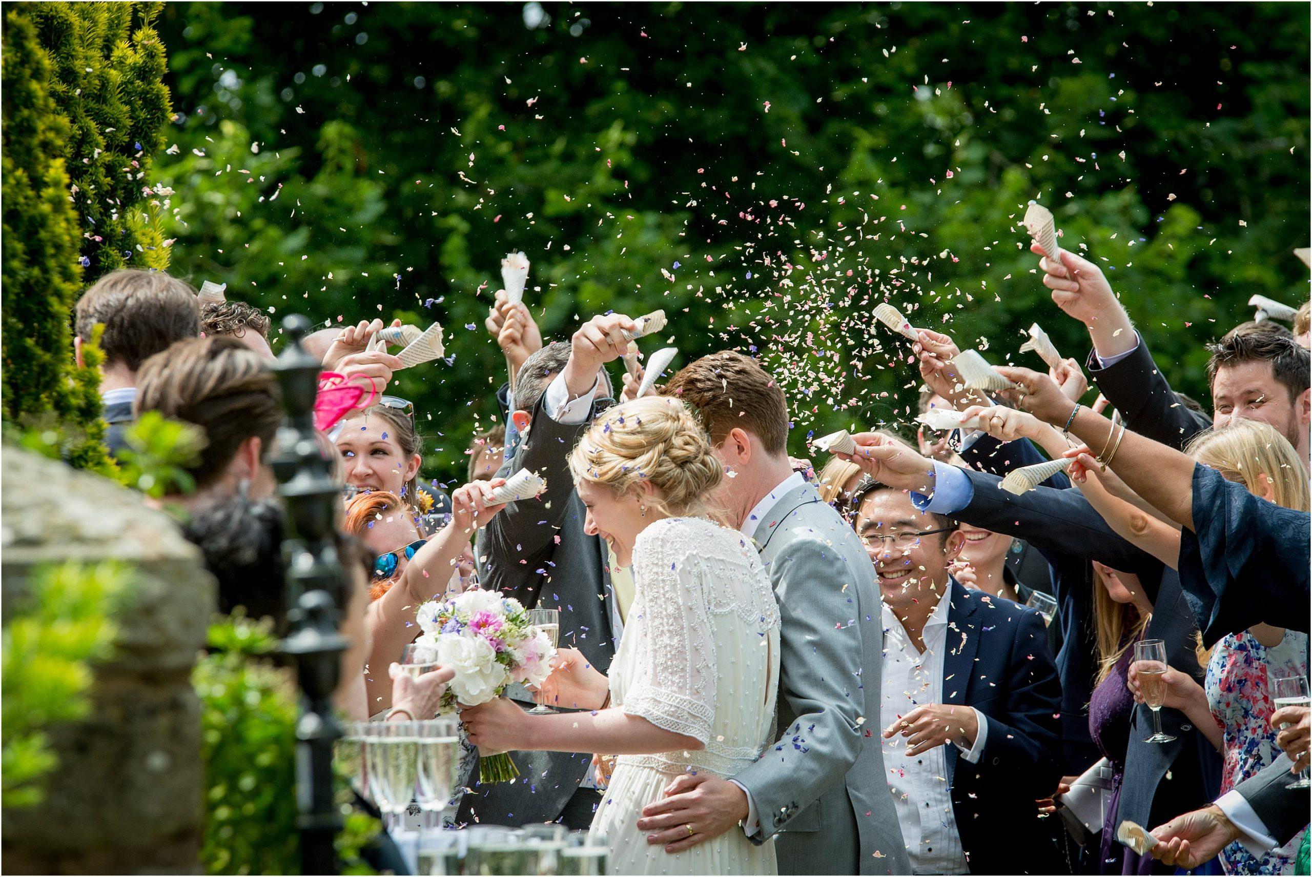 how to photograph beautiful confetti wedding photos