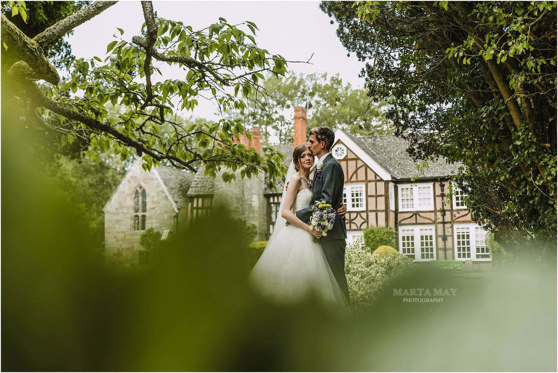 Brinsop Court Hereford wedding photographer