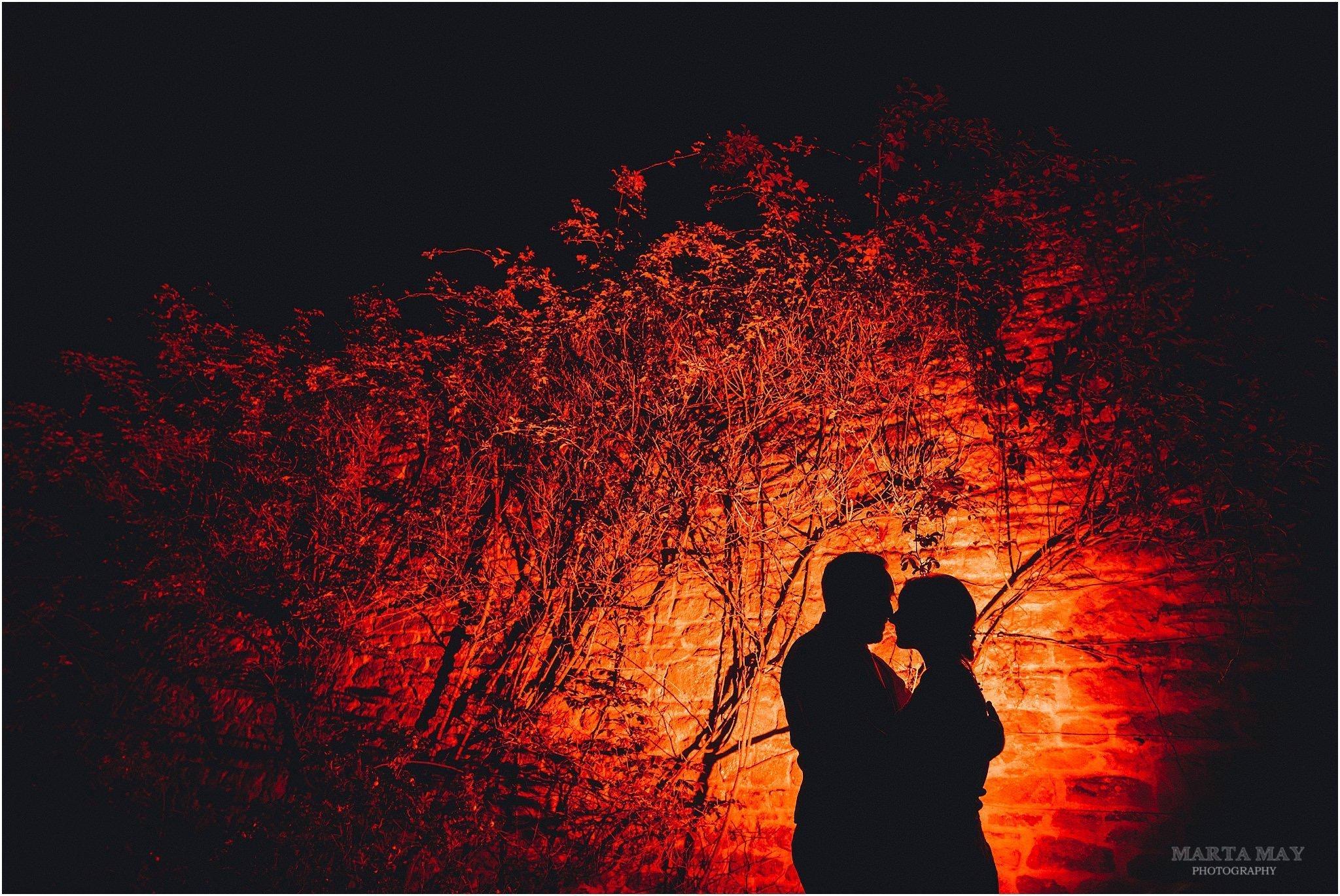 photographing wedding portraits