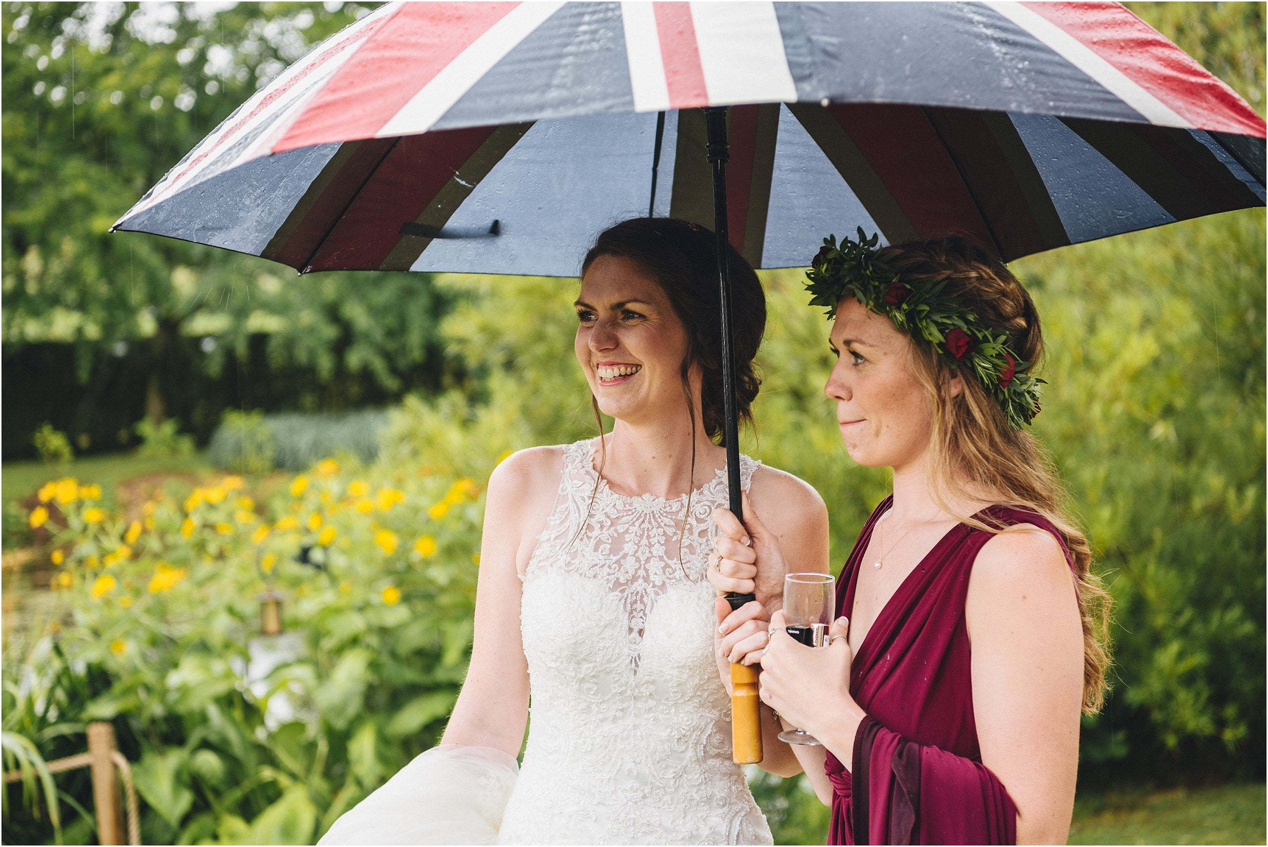 rainy wedding day photography