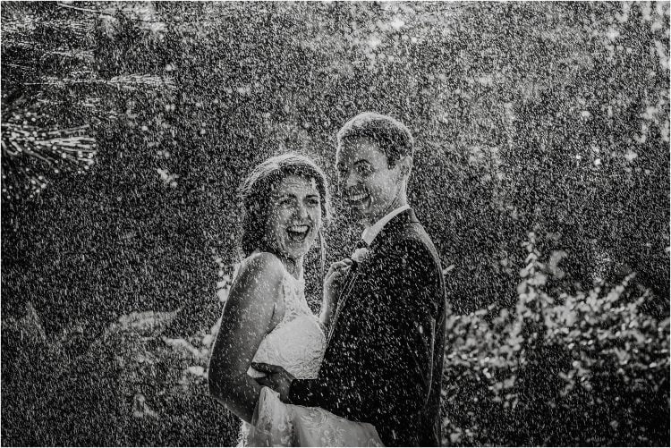 rainy wedding days photography