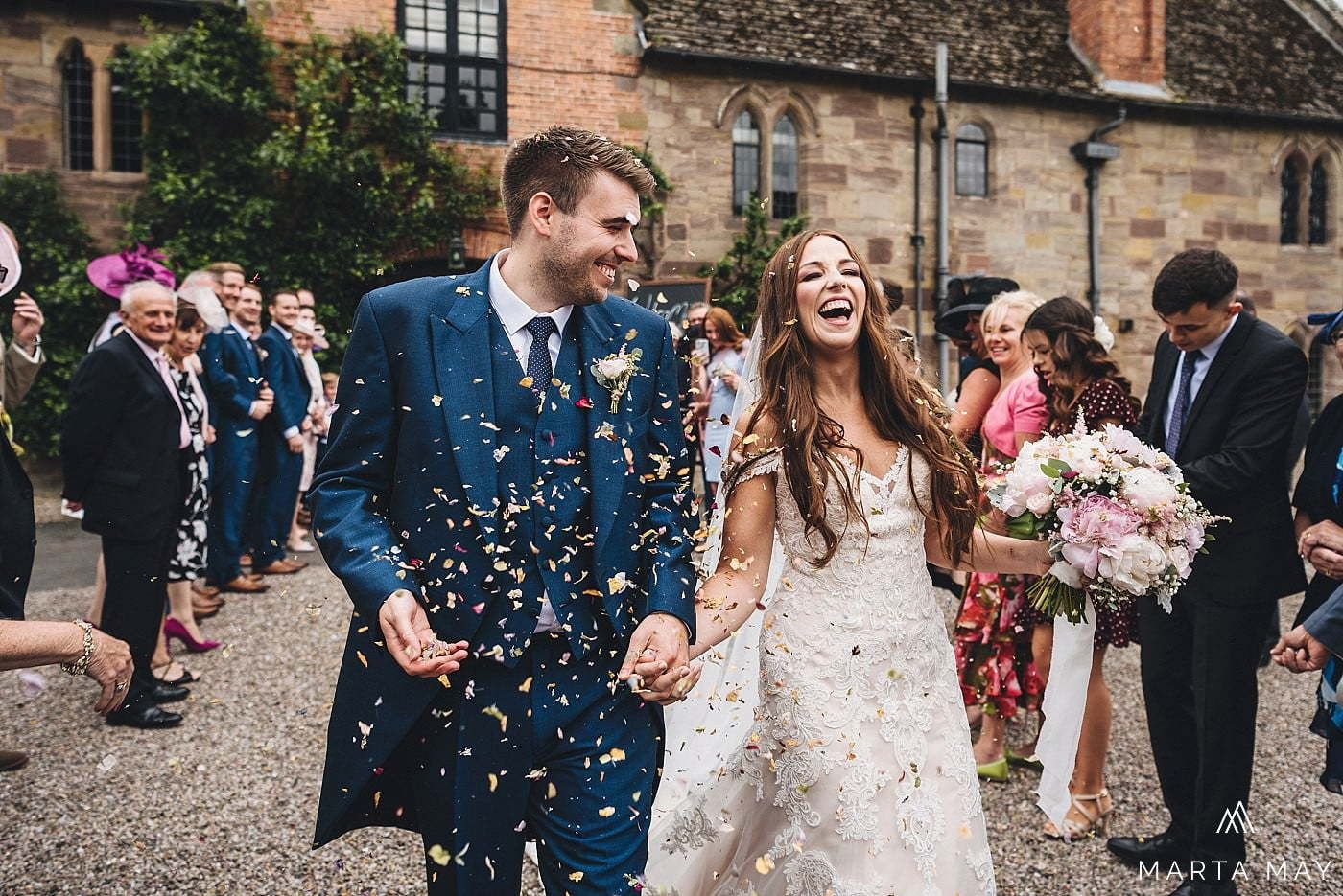 brinsop court wedding confetti