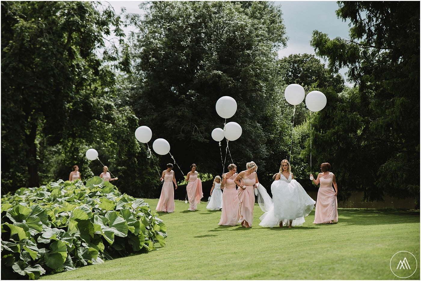 bride and bridesmaids Birtsmorton