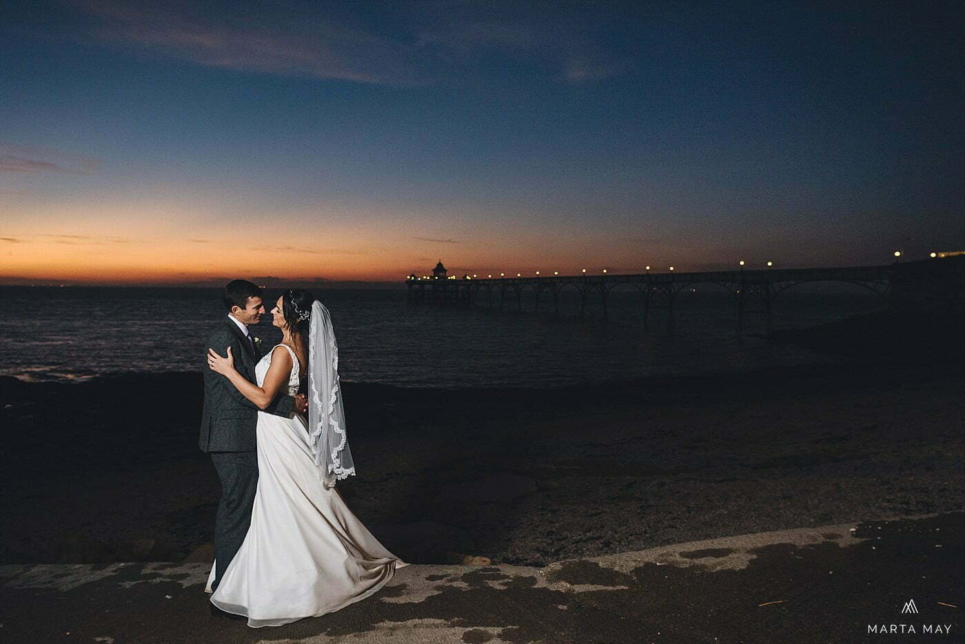 Clevedon Pier wedding photos